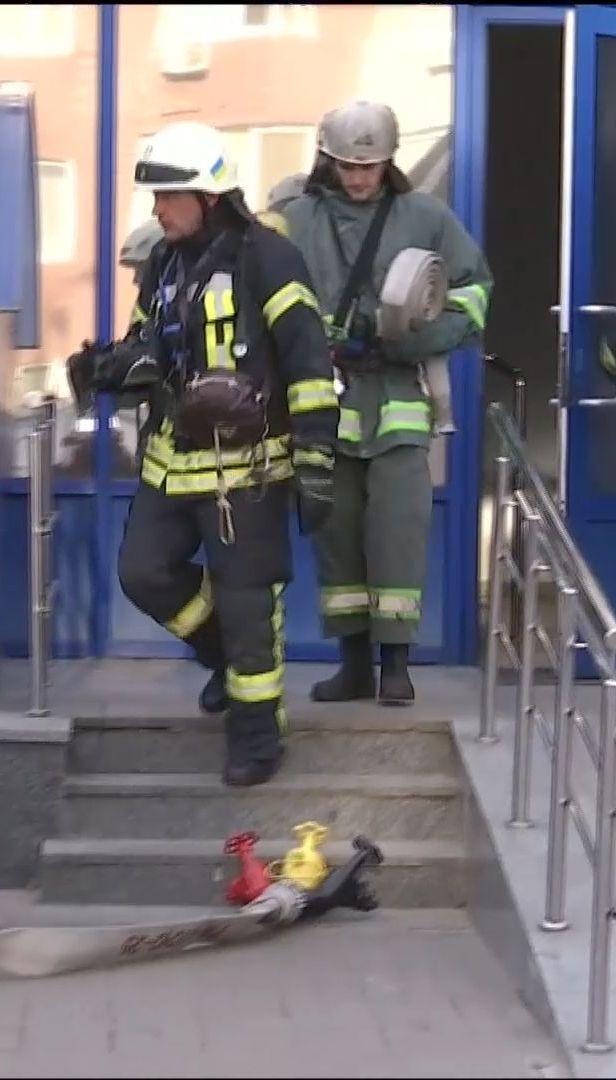 У київському ТРЦ пожежники провели чергову перевірку
