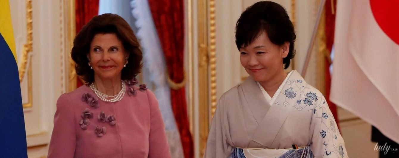 В красивом наряде и лаковых лодочках: эффектная королева Сильвия посетила торжественный прием в Токио
