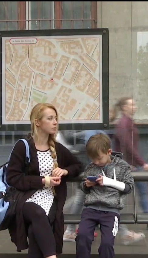 У Львові восьмирічний хлопчик зламав руку у маршрутці