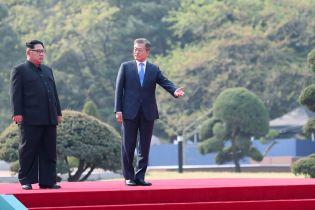 КНДР і Південна Корея вперше за десятиліття відновили зв'язок між військовими кораблями