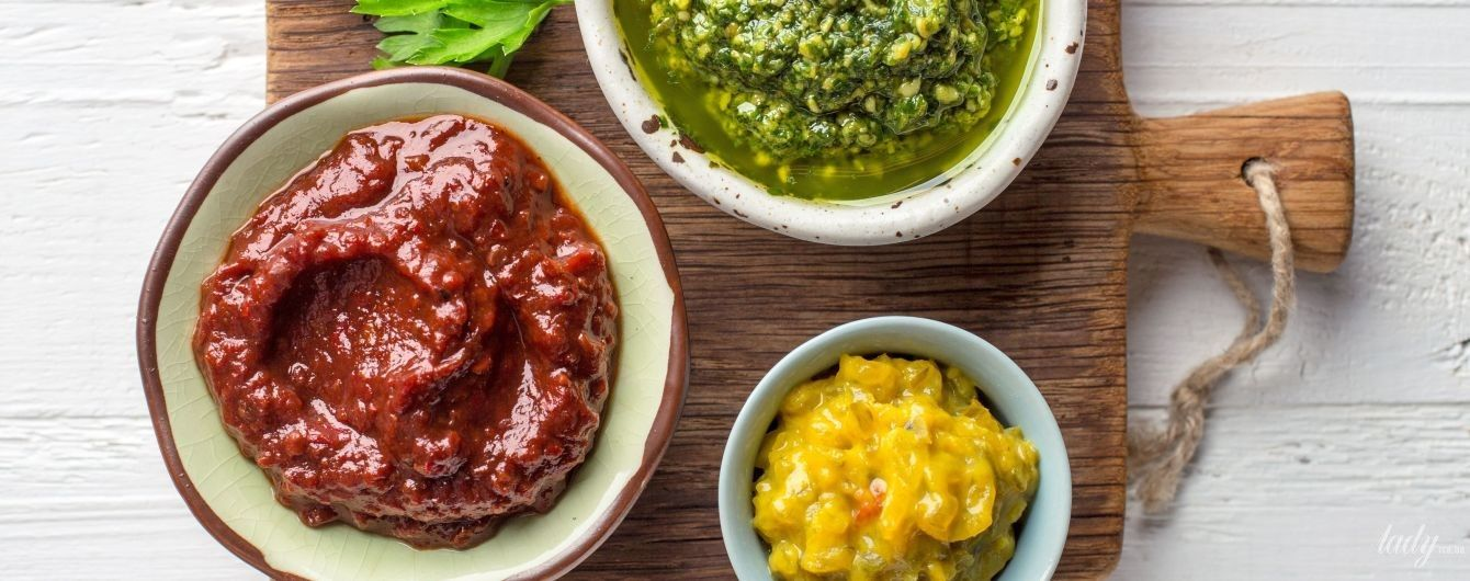 как приготовить соус с бульоном томатной пастой и чесноком