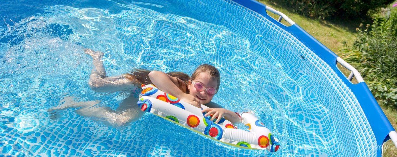 Бассейн на лето: надувной или каркасный