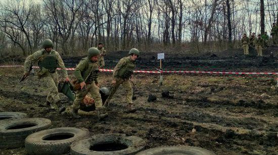 За добу на Донбасі зафіксували 12 обстрілів терористів: двоє бійців ООС поранені
