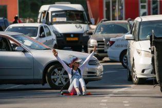 От всеобщей забастовки до победных танцев в центре Еревана. Как прошел день протестов в Армении