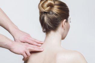 Супрун развеяла миф об отложении солей в позвоночнике и посоветовала, что делать при болях в спине