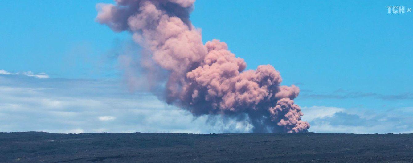 На Гавайях эвакуируют тысячи людей из-за извержения вулкана