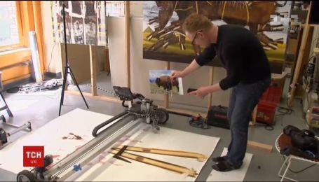 У США створили робота, який може малювати