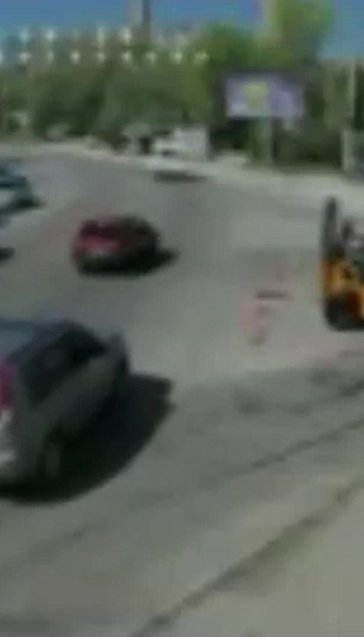 Момент моторошної ДТП у Дніпрі зафіксували на відео