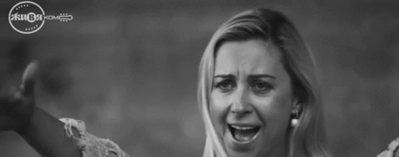 Тоня Матвиенко а капелла спела в атмосферном черно-белом видео, снятом в Запорожье
