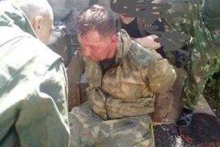 Українські військові взяли в полон бойовика
