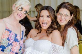 Лонгория на последних неделях беременности устроила вечеринку с голливудскими подругами