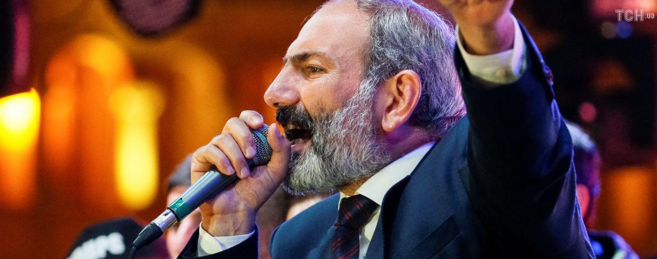 Парламент обрав лідера протестів Пашиняна головою уряду Вірменії