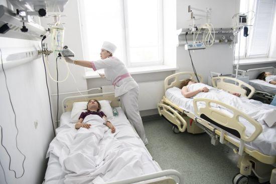 На Хмельниччині після отруєння у дитсадку на сальмонельоз захворіли понад 40 дітей