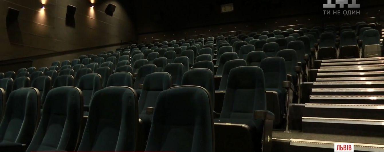 Бійка у львівському кінотеатрі: опонента нокаутував відомий каратист