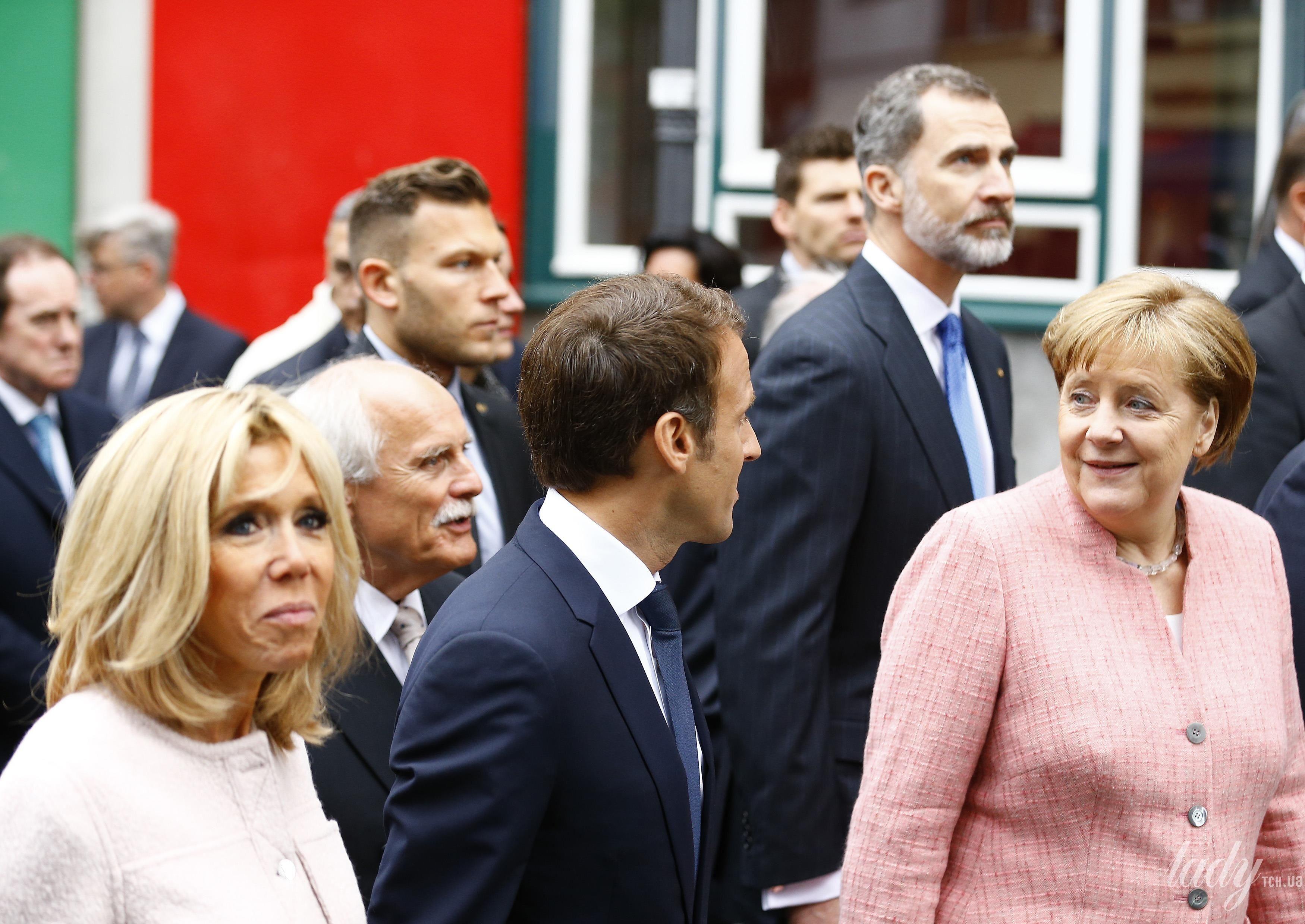 Брижит Макрон и Ангела Меркель_5