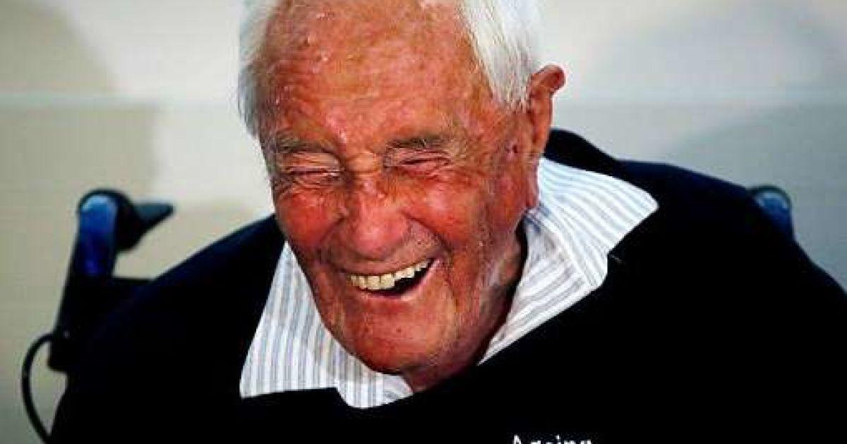 """""""Старіння – це ганебно"""": 104-річний австралійський учений скоїв самогубство у Швейцарії"""