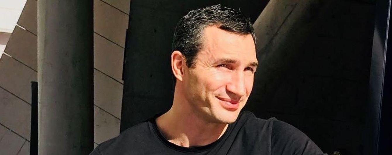 """Кличко-младший предложил заплатить за """"некустарные"""" анализы Порошенко и Зеленского"""