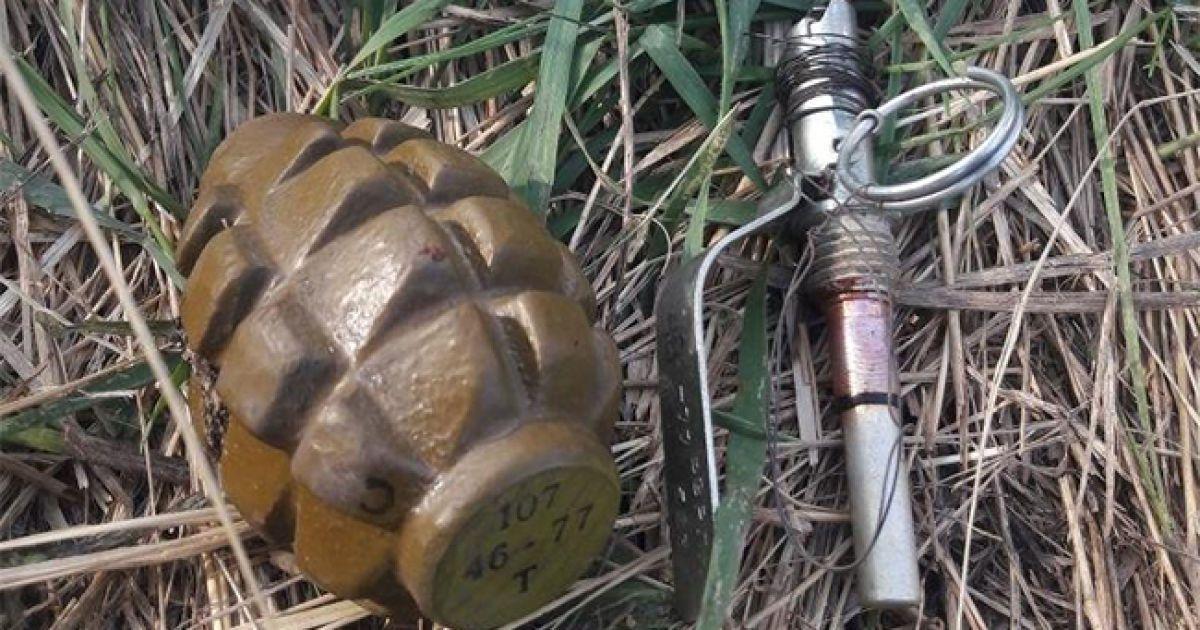 В Харькове к военкомату подбросили боевые гранаты
