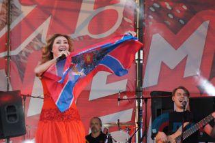 """""""Новоросія"""" і """"На Берлін"""": Газманов, Самойлов і Циганова заспівали 9 Травня в окупованому Луганську"""