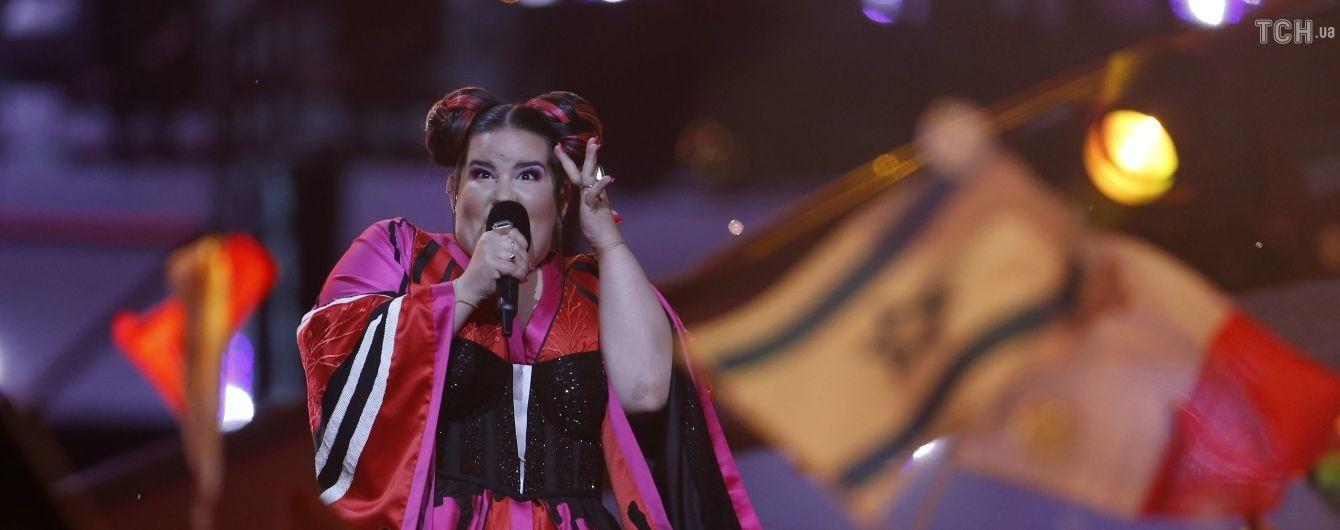 """Прикрий конфуз: фаворитка """"Євробачення-2018"""" Нетта з Ізраїлю гепнулася зі сцени"""