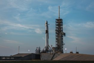 SpaceX успешно запустила усовершенствованную ракету Falcon 9 Block 5