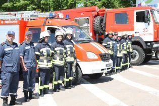 Сотня рятувальників і вертоліт локалізували лісову пожежу на Харківщині