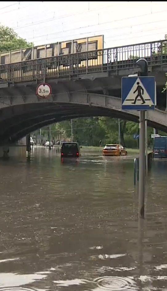 В Польше сильные ливни вызвали транспортный коллапс