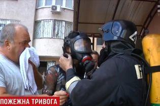 В Одессе через две машины в подземном паркинге едва не сгорела многоэтажка