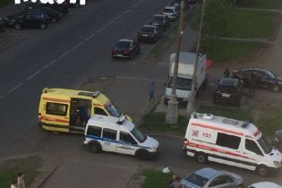У Москві двоє підлітків примотали себе один до одного скотчем і стрибнули з 14-го поверху