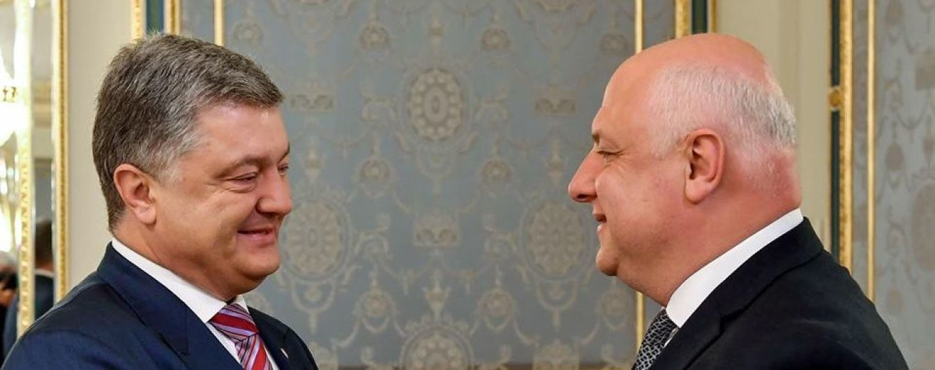 Порошенко предложил странам ЕС взять шефство над отдельными городами Донбасса