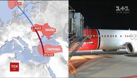 Во Львове экстренную посадку совершил самолет норвежской авиакомпании через самочувствие пассажира