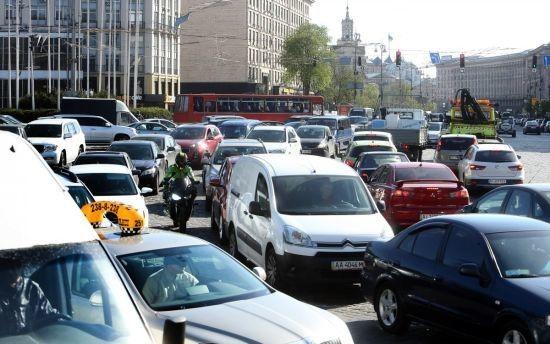 Київ знову застряг у масштабних заторах