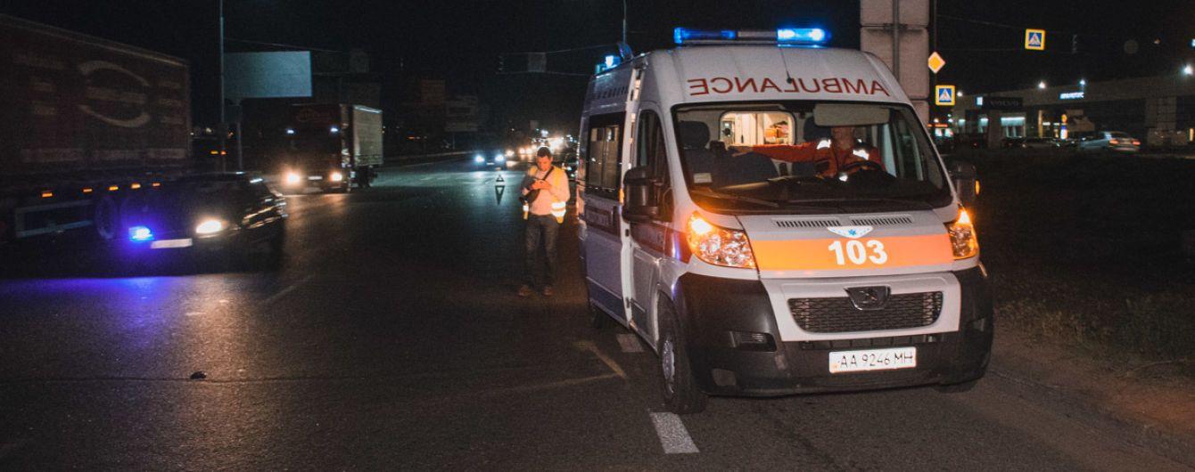 В Киеве мотоциклист сбил насмерть женщину на пешеходном переходе и скрылся с места ДТП