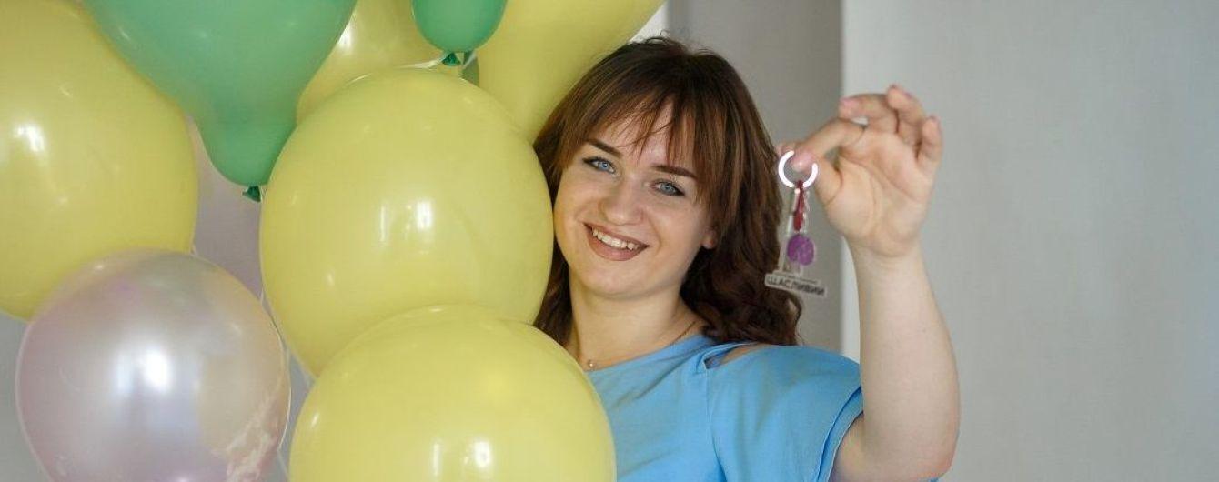 """Переможниця """"Голосу країни-8"""" Олена Луценко вперше побувала у подарованій квартирі"""