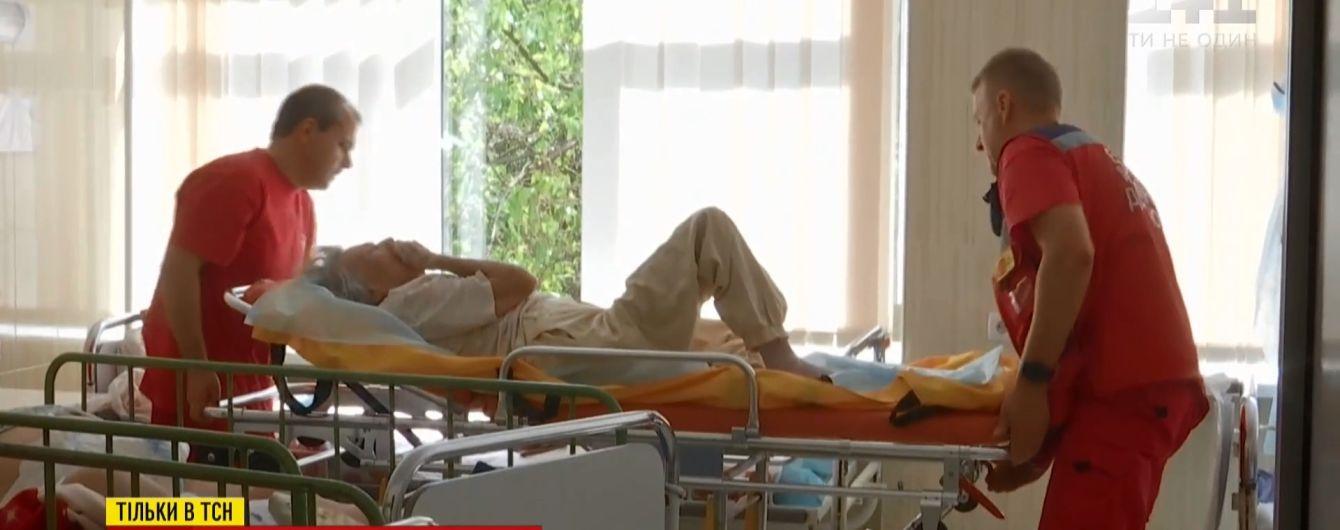 Після року в лікарні 90-річна киянка, від якої відмовилися рідні, отримала новий дім