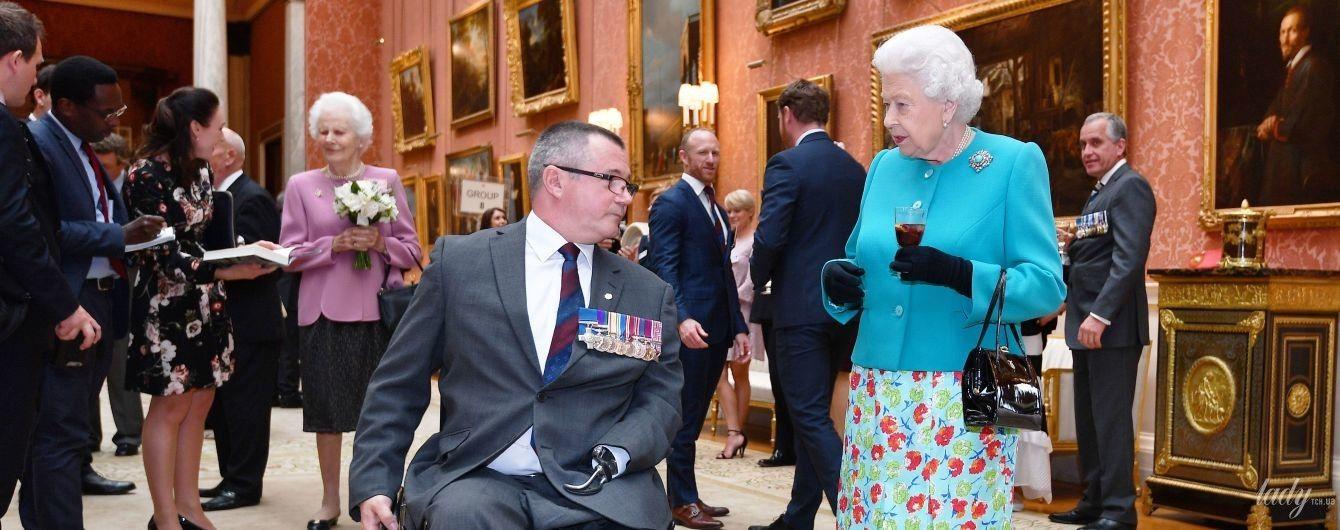 Выглядит ослепительно: 92-летняя королева Елизавета II на торжественном приеме во дворце