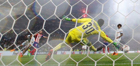 Габі забиває у ворота Марселя