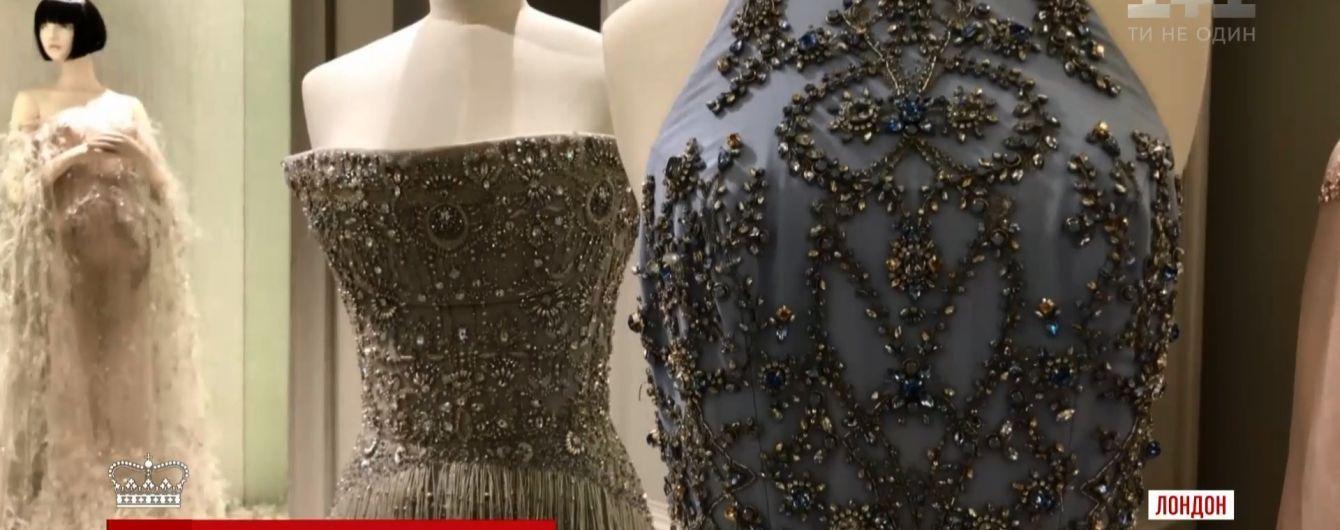 Несподіваний костюм і найдорожча у світі сукня: чим можуть здивувати на своєму весіллі принц Гаррі та Меган Маркл