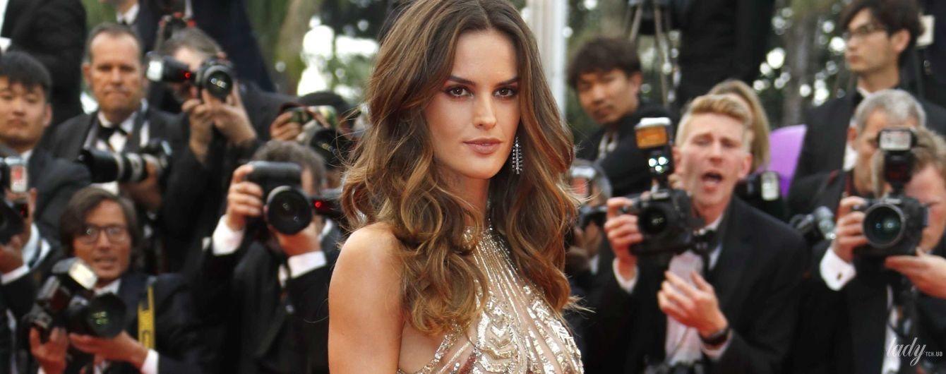 В красивом платье и без бюстгальтера: Изабель Гулар на премьере фильма в Каннах