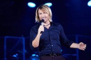 Счастливый Олег Винник показал собственный музыкальный оазис