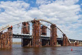 Как в Киеве возводят мост-долгострой через Днепр. Фото грандиозного строения