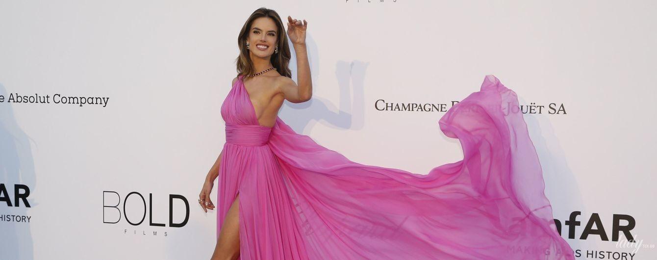Яркая и сексуальная: Алессандра Амбросио в летящем платье на гала-приеме в Каннах