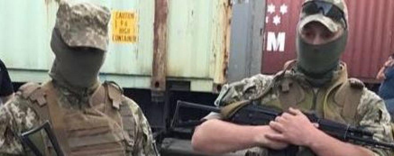 Борці з контрабандою виявили порушень на 2 млрд грн - Гройсман