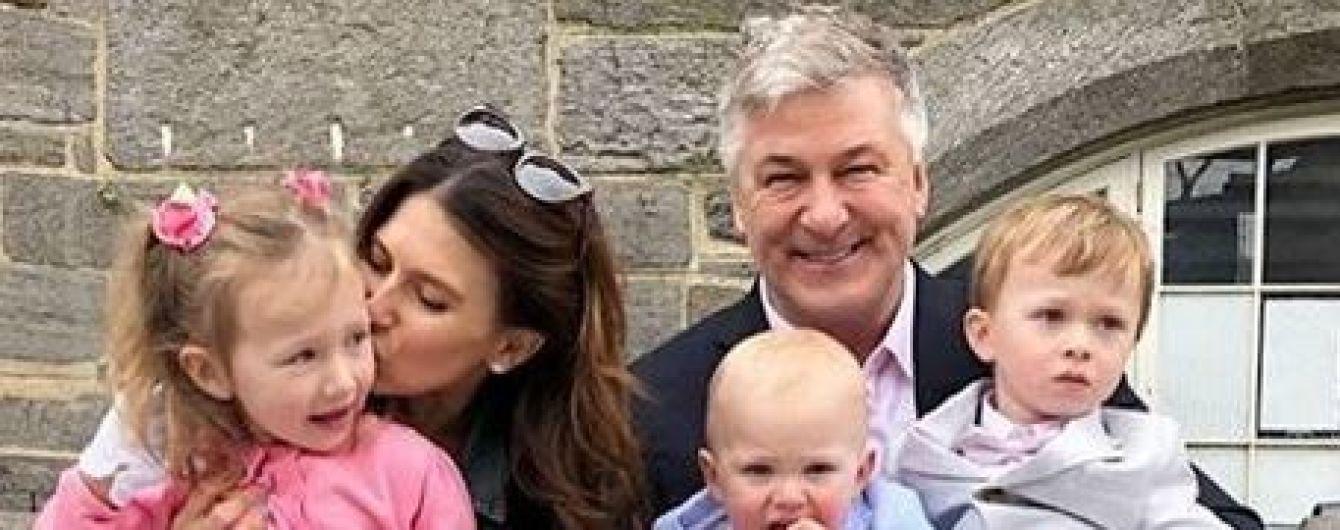 Вот это счастье: 60-летний Алек Болдуин в пятый раз стал отцом