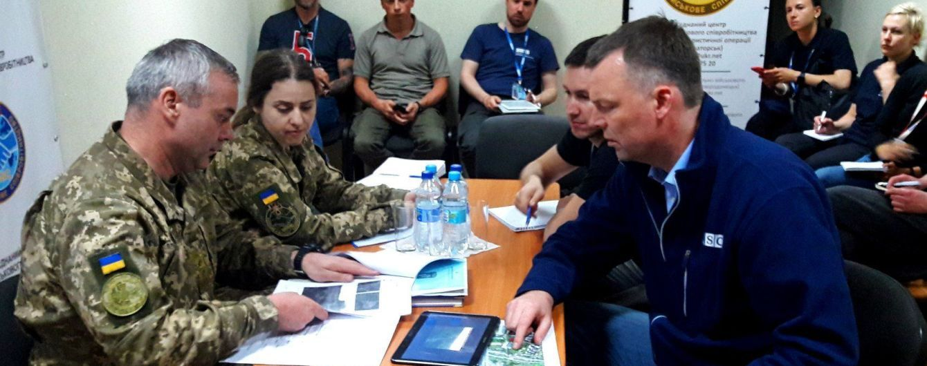 Командувач ООС попросив Хуга вплинути на бойовиків для припинення вогню