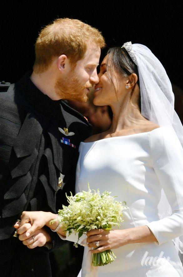 Поцелуй принца Гарри и Меган Маркл_1