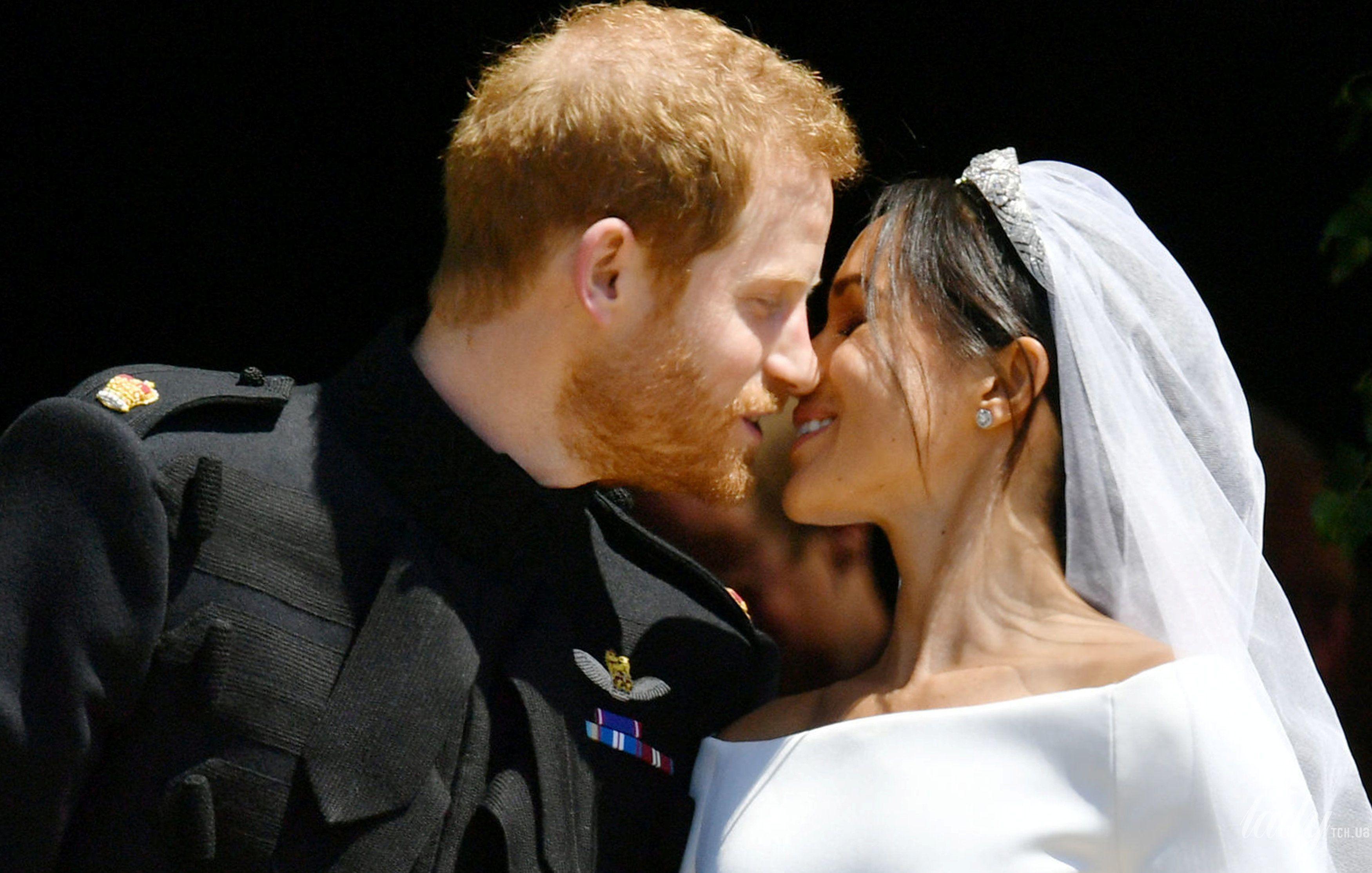 Поцелуй принца Гарри и Меган Маркл_2