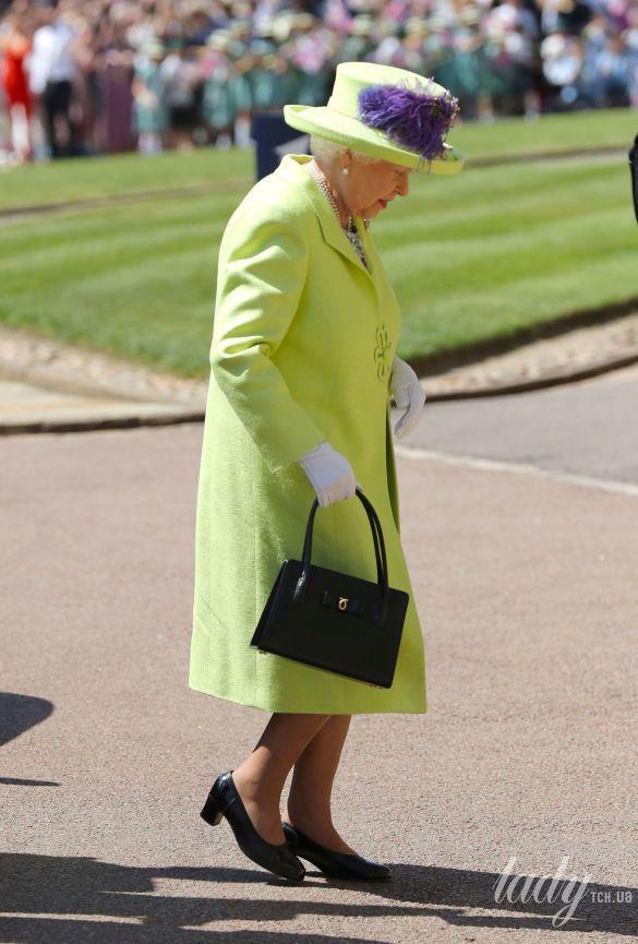 Королева Елизавета II на свадьбе Меган Маркл и принца Гарри_1