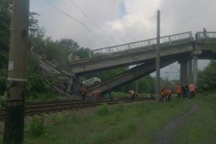 Хрустальний відрізаний від Луганська: на окупованій території підірвали міст