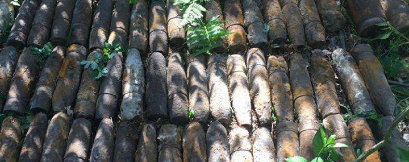 На столичном Святошино нашли более ста артиллерийских снарядов времен Второй мировой